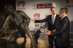 Mark Richards discussing his original Matthew Flinders statue with HRH Prince William. Photo Credit The South Australia Government